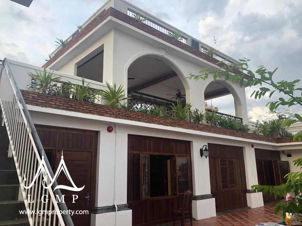 2 BEDROOMS 2 BATHROOMS For rent (Toul Tompoung)